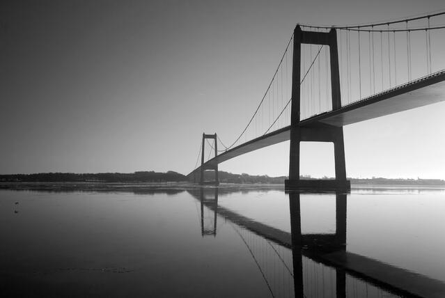 Redpill-Linpro-Bridge-bw